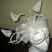 A Mother Of the Bride Ivory Fascinator SN751